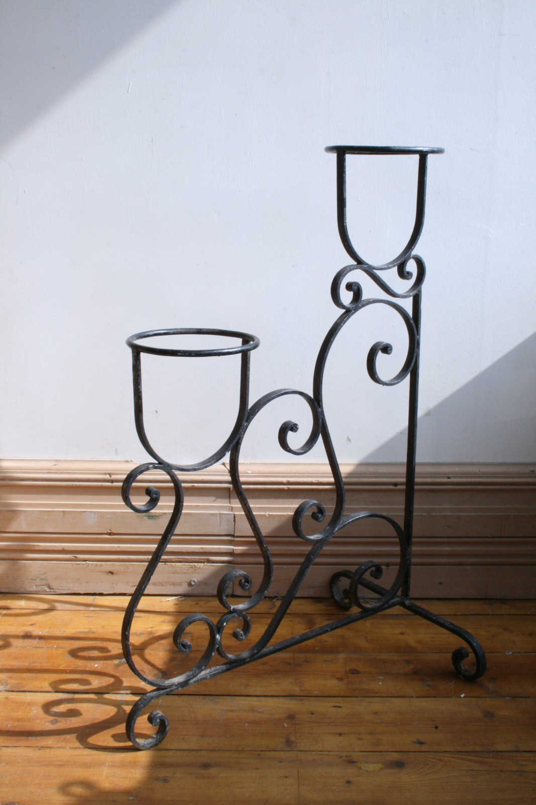 vintage wrought iron plant stand agapanthus interiors. Black Bedroom Furniture Sets. Home Design Ideas