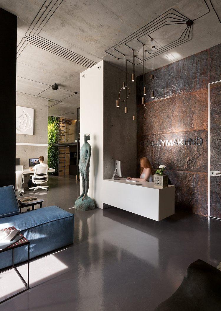 Sergey Makhnos Showroom