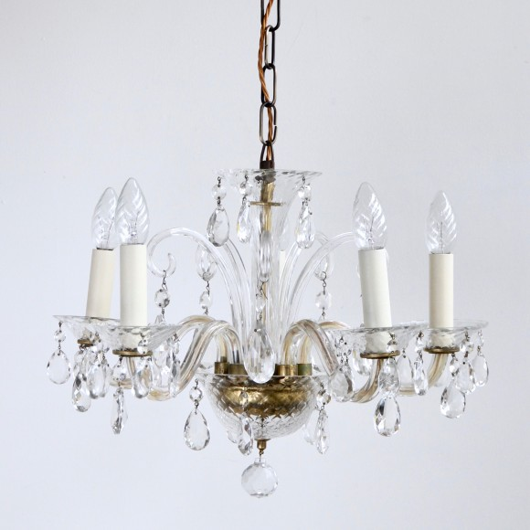 how to clean glass chandelier