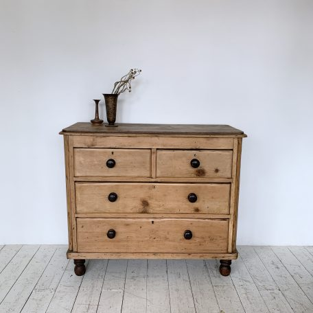 Pine Chest of Drawers with Dark Turned Handles