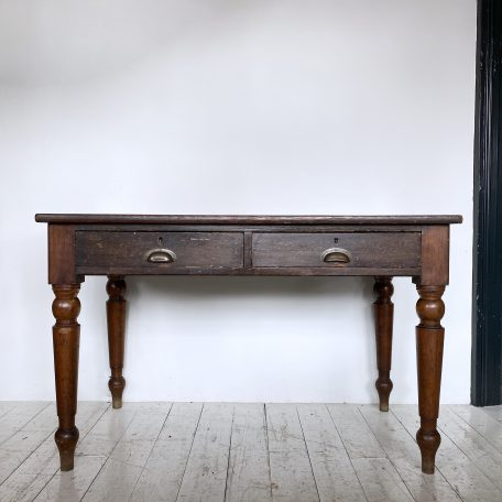 Victorian Oak and Leather Top Desk